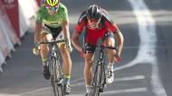 Als Erster im Ziel: Der Belgier Greg van Avermaet. Hinter ihm fährt der Slowake Peter Sagan.