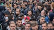 Bundesverwaltung beschäftigt nur 14 Flüchtlinge