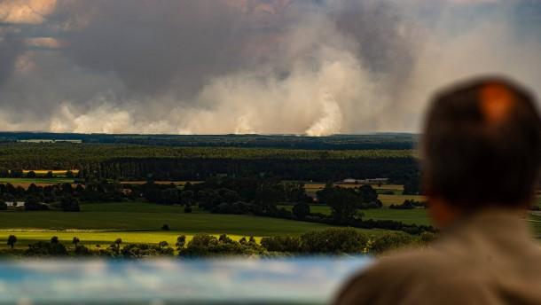 Weitere Ortschaft nach Waldbrand evakuiert