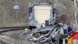 Keine Hinweise auf technisches Versagen bei Zugunglück