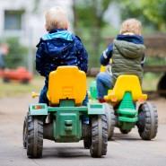Nicht mit Schnupfnase: Kinder, die Erkältungssymptome zeigen, sollen nach Hause geschickt werden (Symbolbild).
