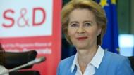 Ursula von der Leyen bei einem Gespräch mit der sozialdemokratischen S&D-Fraktion im Europäischen Parlament am 10. Juli