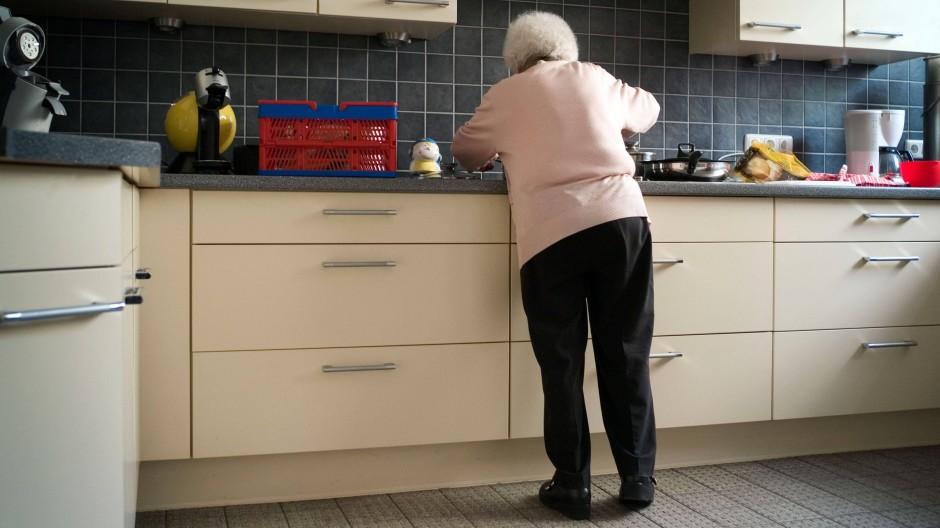 Auf sich selbst gestellt: Jeder dritte Rentner lebt in Deutschland allein