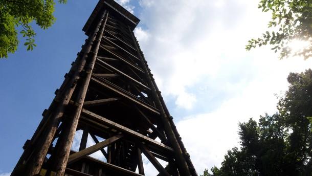 Goetheturm aus Edelkastanienholz