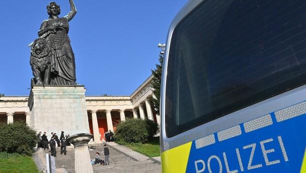 Großangelegte Razzia gegen Münchner Polizisten