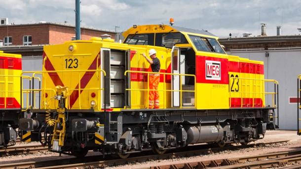 Erste Flotte von Hybrid-Rangierlokomotiven bei DB Schenker Rail