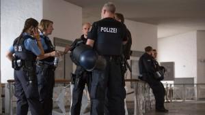 Weitere Verdachtsfälle rechtsextremer Netzwerke um Frankfurter Polizei