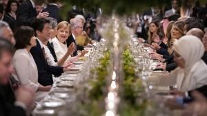 Merkel kommt rechtzeitig zum Abendessen