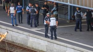 Angreifer nach Messerattacke in Zug erschossen
