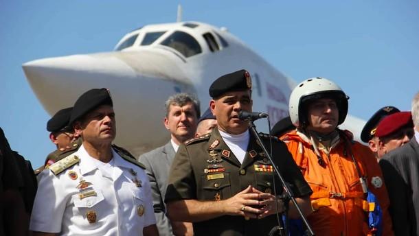 Russische Bomber für Maduro: Kalter Krieg in Venezuela
