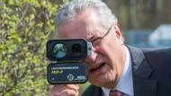 Will im Zweifel auch Kinder vom Verfassungsschutz überwachen lassen: der bayerische Innenminister Joachim Herrmann (CSU)