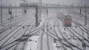 120 anullierte Flüge in München, Entspannung bei der Bahn