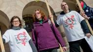 Intersexuelle streitet mit Klinik um Schmerzensgeld