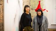 Sie sagen, das Ganze sei rein kommerziell: Sibel (links) und Anny Öztürk sind unter die Unternehmer gegangen.