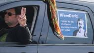 Autokorso für inhaftierten Journalisten Yücel
