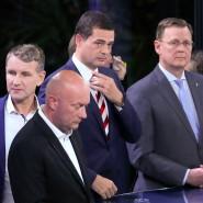 Spielt nicht mehr die Hauptrolle: CDU-Kandidat Mike Mohring (2.v.r.) zwischen AfD-Politiker Björn Höcke und Ministerpräsident Bodo Ramelow (r.).