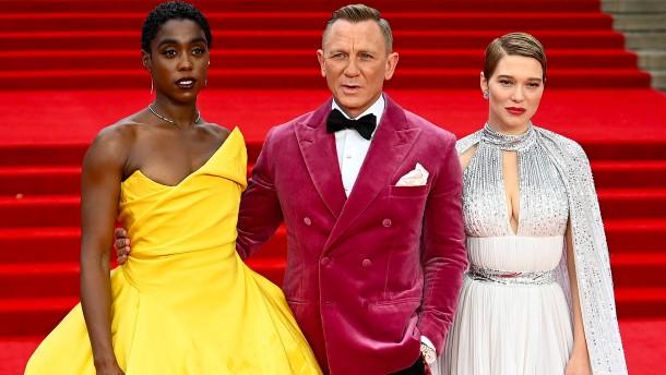 James Bond feiert Premiere in London