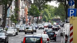 Polizei befreit mutmaßlichen Autoknacker aus fremdem Fahrzeug