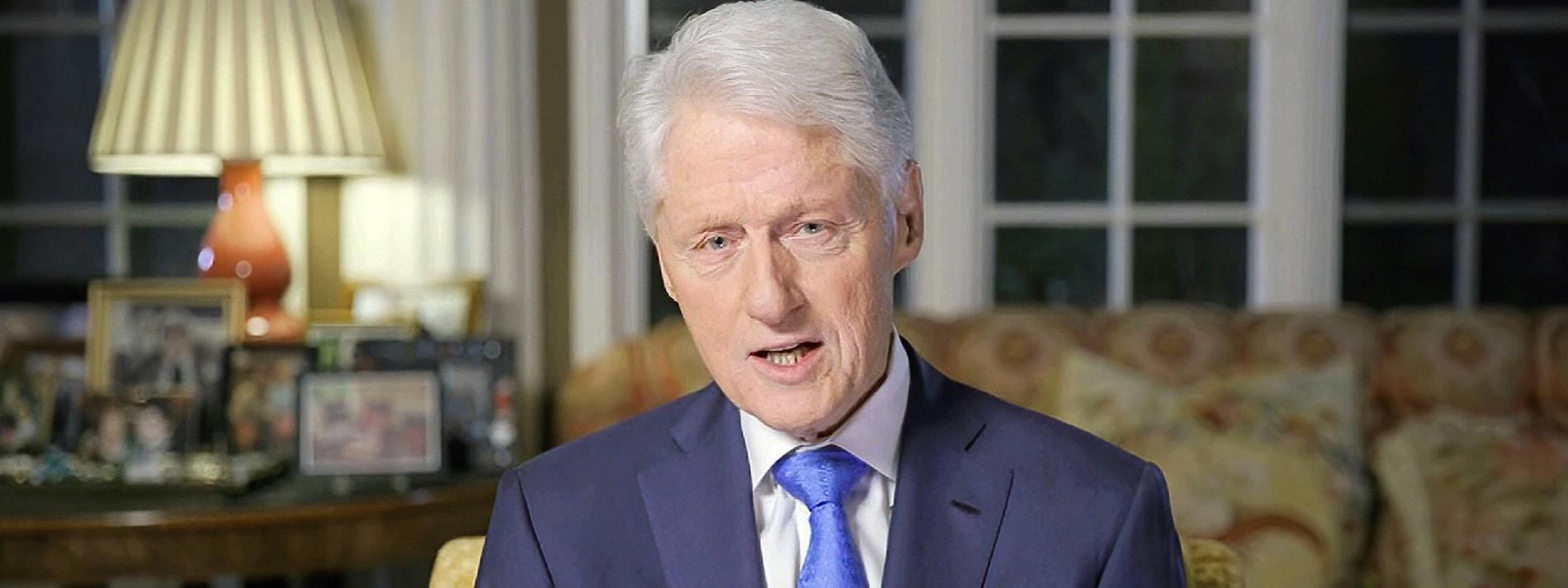 Bilder von Bill Clinton mit Epstein-Opfer aufgetaucht