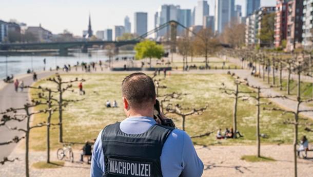 Frankfurter Polizei  in Sorge