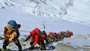 Nepals Regierung lässt Todesfälle untersuchen