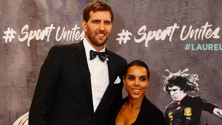 Dirk Nowitzki und seine Frau Jessica bei den Laureus Awards in Berlin