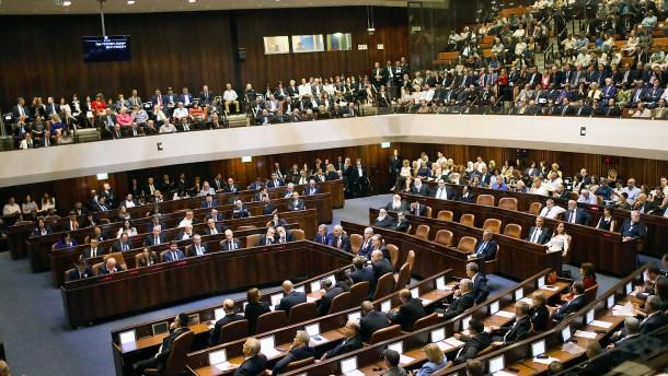 Parlament stimmt für seine Auflösung
