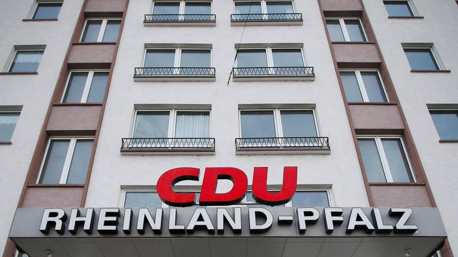 In der rheinland-pfälzischen CDU regt sich Widerstand gegen eine Zusammenarbeit einer Parteivertreterin mit der AfD in Frankenstein.