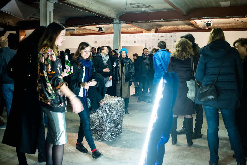 Nominierten-Ausstellung des Berlin Art Prize, der von Künstlern organisiert und verliehen wird