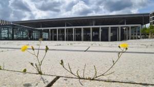 Der Berliner Großflughafen plant schon seinen Umzug