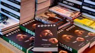 """Im Buchladen:""""Wurzeln – der Ausweg eines Gangsters"""" heißt die Biographie, nach deren Präsentation Nedim Yasar erschossen wurde."""