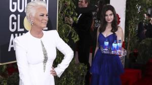 Diese Frau schmuggelt sich in alle Golden-Globes-Bilder