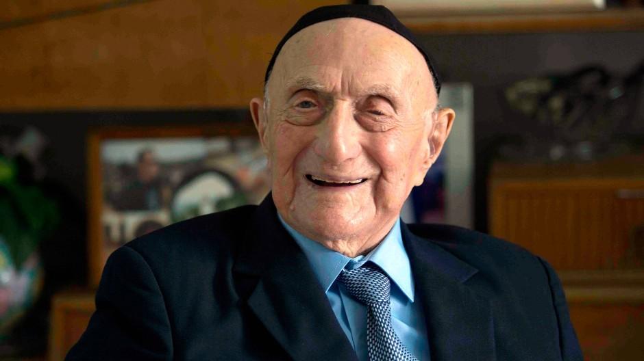 Israel Kristal hatte noch im Herbst 2016 mit seiner Familie seine Bar Mizwa um 100 Jahre nachgefeiert.