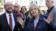 Zwischen Hoffen und Bangen: Martin Schulz am vergangenen Wochenende mit Hannelore Kraft in Mülheim an der Ruhr