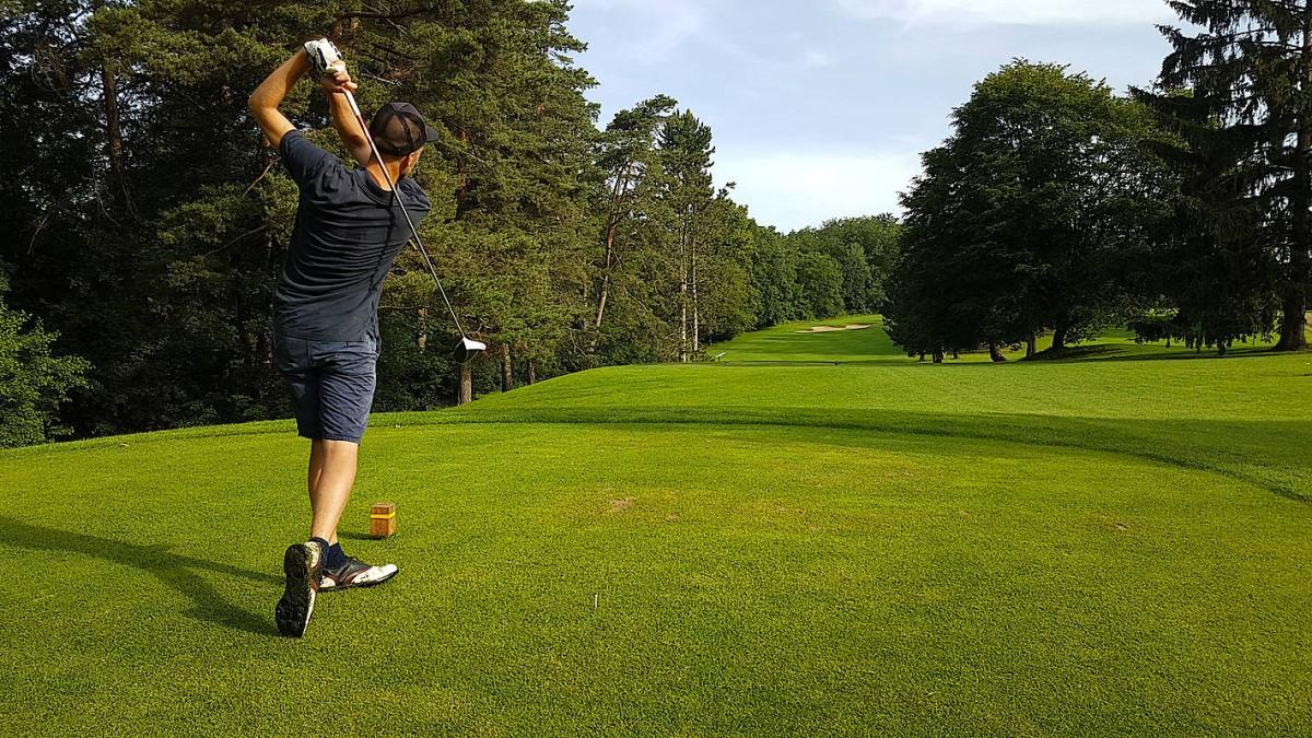 Das Spiel der Golf-Extremisten