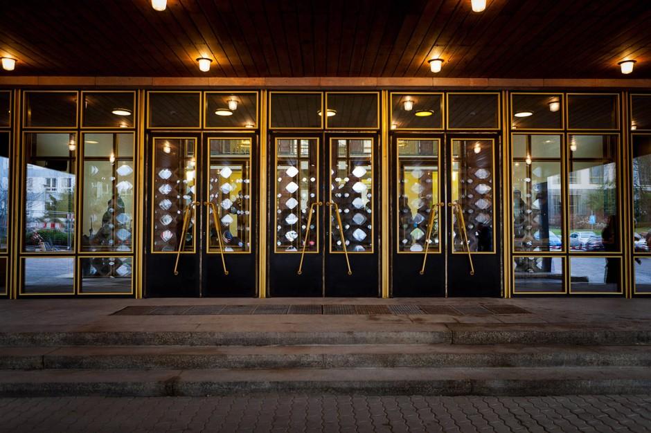 Der Eingang zu Mielkes düsterer Festung, die nun zu einem herzeigbaren Ort politischer Bildung wurde