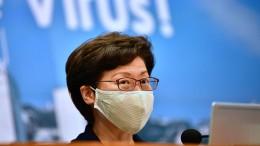 Hongkongs Regierungschefin verschiebt Wahl um ein Jahr