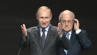 Russland hofiert Blatter und Platini
