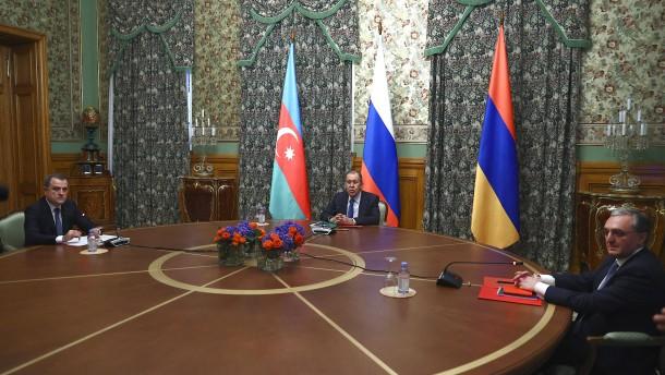 Armenien und Aserbaidschan einigen sich auf Waffenruhe
