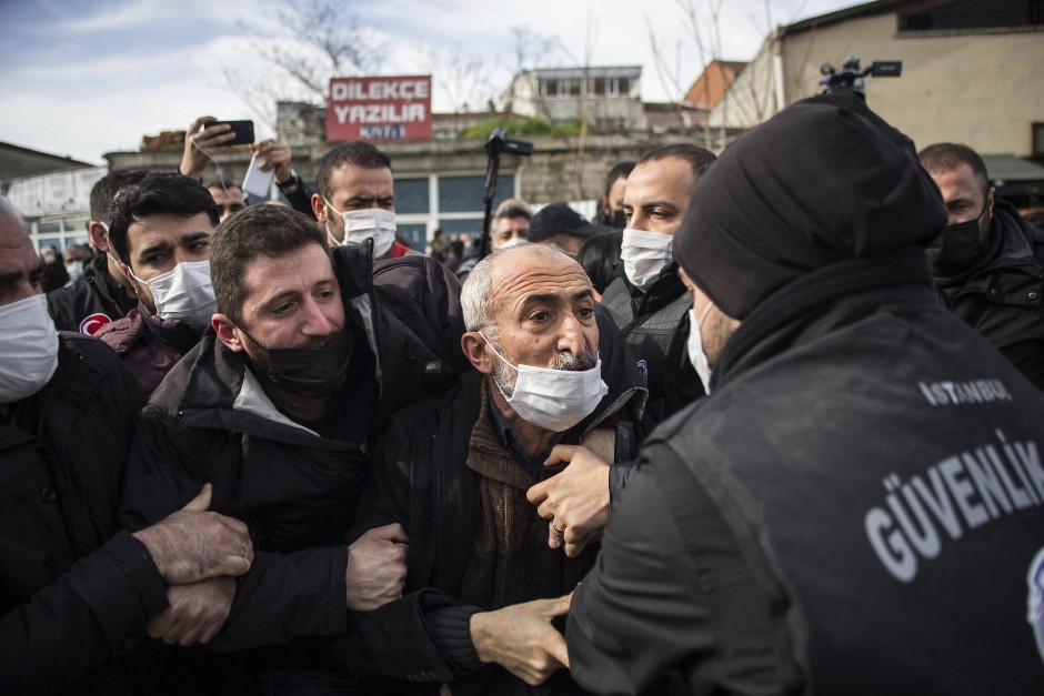 Seit Wochen protestieren Studierende und Angestellte der Bogazici Universität in Istanbul gegen die Ernennung des neuen Dekans.