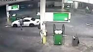 Mann stoppt Autodieb mit Sprung