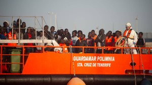 Spaniens Küstenwache rettet fast 700 Bootsflüchtlinge