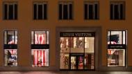 """Das erste """"maison"""" von Louis Vuitton in Deutschland ist in der Münchener Residenzpost untergekommen, die einst unter Ludwig I. erbaut wurde."""