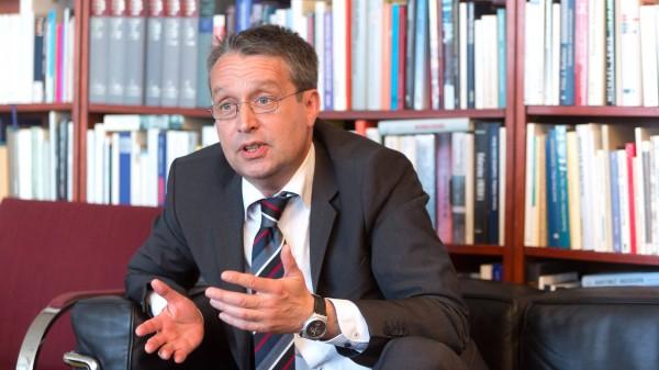 Gabor Steingart - Der Journalist und Autor wird von Frank Schirrmacher in der Frankfurter F.A.Z.  Redaktion befragt.