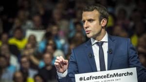 Macron sieht sich Homosexualitäts-Gerüchten ausgesetzt