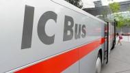 Künftig wird die Deutsche Bahn nur noch wenige Busverbindungen anbieten.