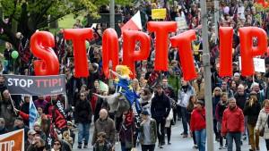 SPD-Chef Gabriel fordert mehr Transparenz von Amerika
