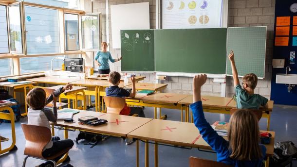 Bundesländer uneinig über Öffnung von Schulen und Kitas