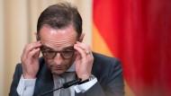 Duckt sich nicht weg: Außenminister Maas bei seinem Besuch in Moskau am 10. Mai.