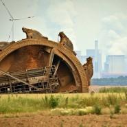 Die Schaufel eines Braunkohlebaggers in Garzweiler